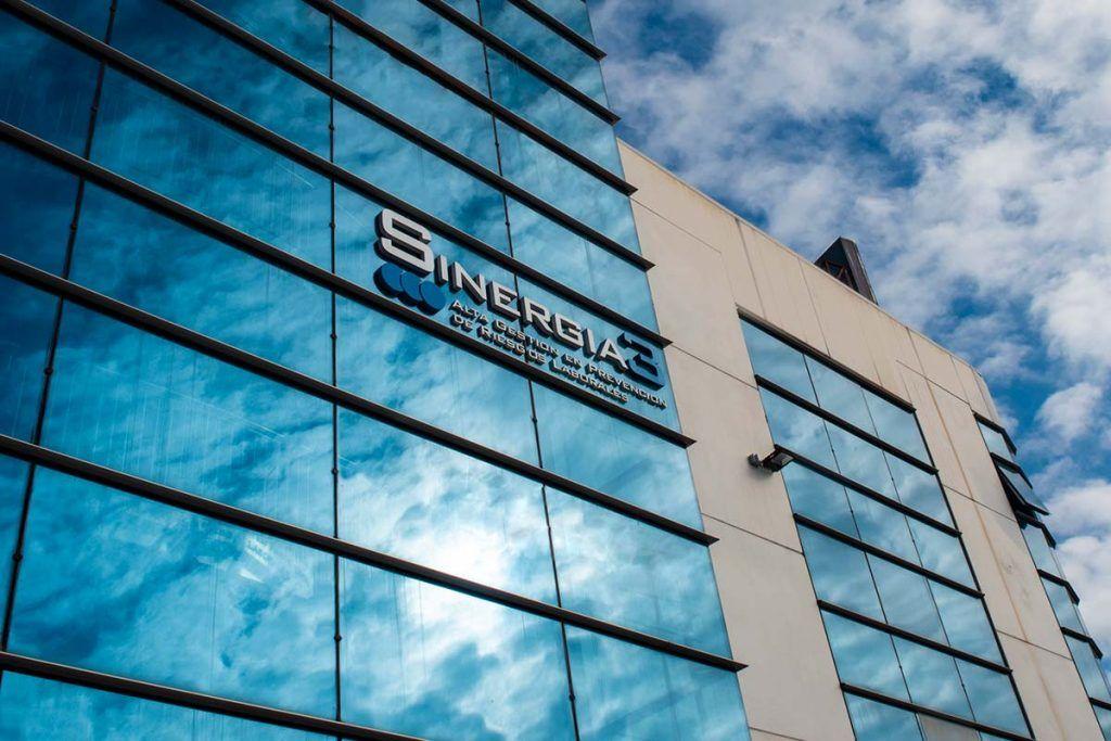 fachada oficinas sinergia3
